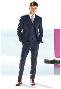 #SeanOPry cleans up in a three-piece suit for British retailer #Next