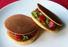 COOKING WITH JAPANESE GREEN TEA: Dorayaki with Matcha cream & fresh strawberry
