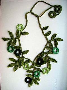leafy crochet necklace - idea only