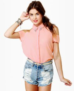 love this Brandy Melville Cold Shoulder Top!