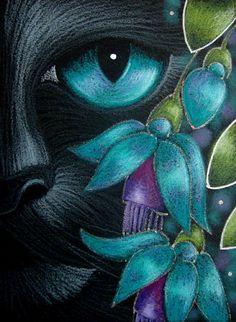 """Black Cat Behind the Aqua Fuschia Flowers"" par Cyra R. Cancel"