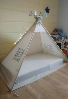 Classic Home Decor .Classic Home Decor Tp Tent, Mountain Home Exterior, Teepee Bed, Frozen Room, Sleepover Birthday Parties, Childrens Beds, Indian Home Decor, Diy Pillows, Diy Wall Art