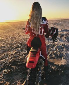 Outstanding Moto bike photos are offered on our website. look at this and you wont be sorry you did. Motocross Photography, Motorcycle Photography, Dirt Bike Girl, Biker Chick, Biker Girl, Wrangler Tj, Jeep Stiles, Triumph Motorcycles, Custom Motorcycles