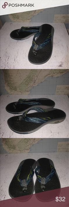 Women's Chaco Flip Flop Sandals Women's Chaco Flip Flop Sandals~Size 6. In excellent preowned condition Chaco Shoes Sandals