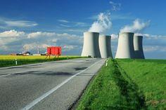 400 centrales nucleares proveen de energía nuclear en mas de 30 países.