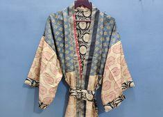 Sexy Beach Wear, Beach Wear Dresses, Kimono Coat, Long Kimono, Hippie Style, Table Napkin, Tie Dye Jackets, Maxi Gowns, Silk Shorts