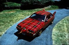 Another car covered in tartan. Interesting, no?