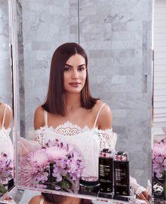 "90.9 m Gostos, 401 Comentários - Camila Coelho (@camilacoelho) no Instagram: ""I always do ""hair spa days"" at home to keep my hair healthy and shiny! I will share my current…"""