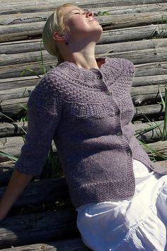 """Jacket with raglan sleeve and pattern on yoke in """"Silke Alpaca"""" pattern by DROPS design"""