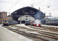 Traccion diesel española Locomotive, Spanish, Construction, Patio, Building, Black Heads, Diesel Locomotive, Model Trains, Train