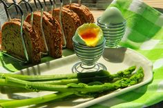 V kuchyni vždy otevřeno ...: Vejce a chřest Okra, Mozzarella, Asparagus, Green Beans, Beef, Vegetables, Food, Meat, Studs