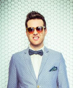 Chicks dig a man in a bow tie. Mayer Hawthorne - Music | Tumblr