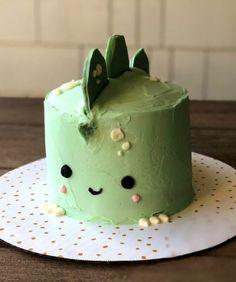 Pretty Birthday Cakes, Pretty Cakes, Funny Birthday Cakes, Frog Cakes, Cupcake Cakes, Kreative Desserts, Simple Cake Designs, Simple Cakes, Dino Cake