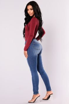 Impossible Not To Notice Skinny Jeans - Medium Blue Superenge Jeans, Sexy Jeans, Skinny Jeans, Black Supermodels, Burgundy Fashion, Casual Wear Women, Fashion Outfits, Womens Fashion, Fashion Trends
