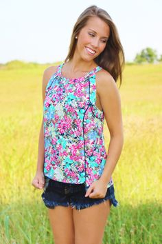 Floral Springs Top | $18 | http://www.shopentourageclothing.com/floral-springs-top/