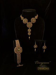 "Tutorial/Pattern for ""Evergreen"" Necklace, Bracelet, Earring set Beaded Earrings, Beaded Bracelets, Handmade Beaded Jewelry, Beaded Jewellery, Beading Tutorials, Beading Projects, Beading Patterns, Cowgirl Bling, Necklace Set"