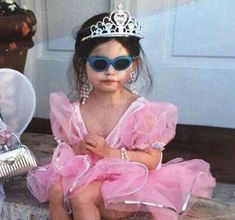 aesthetic photography throwback child princess dress fancy dress up pink fancy sunglasses tiara queen baddie pearls Funny Profile Pictures, Funny Reaction Pictures, Funny Pictures, Music Cover Photos, Music Covers, Album Covers, Bad Girl Aesthetic, Pink Aesthetic, Mode Old School