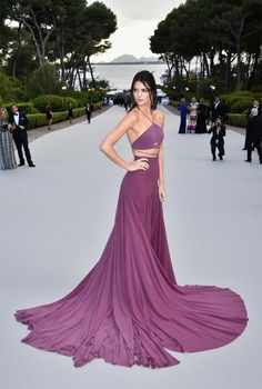 keeping-up-with-the-jenners:  Kendall at amfAR gala in Cannes