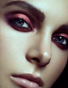 awesome Яркий макияж с красными тенями (50 фото) — Будь оригинальной!