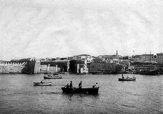 Heraklion old port 1900 Heraklion, Crete Island, Old Port, Simple Photo, Old Maps, Vintage Photos, Paris Skyline, Greece, Coastal