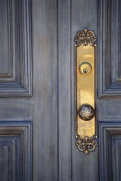 beautiful paint color for front door - faux finish