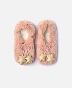 Stars booties, null£ - Stars booties - Find more trends in women fashion at Oysho . Baby Girl Boots, Baby Shoes, Cute Slippers, Sock Crafts, Baby Accessories, Womens Slippers, Designer Shoes, New Fashion, Socks