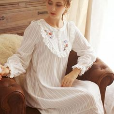 Sexy Women Fashion Retro Swing Vintage Elegent Short Sleeve Cocktail Party Retro Embroidery Evening Dress Plus Size – Best Of Likes Share Cute Sleepwear, Sleepwear Women, Night Gown Dress, Evening Dresses, Cotton Nighties, Modele Hijab, Iranian Women Fashion, Classic Lingerie, Vintage Nightgown