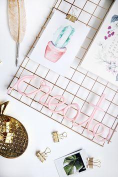 Kreative DIY Idee zum Selbermachen: Deko-Schriftzug aus Fimo selbermachen - Fimo-Lettering mit Step by Step DIY Tutorial basteln