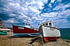 HDR boats on beach by RJW53, via Flickr