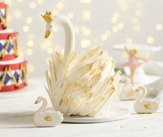 Our magnificent swan cake is surprisingly easy to put together and makes a stunning showstopper for a Nutcracker-themed festive party. Cupcake Cakes, Cupcakes, Kid Cakes, Fancy Cakes, Cake Tutorial, Savoury Cake, Creative Cakes, Celebration Cakes, Cake Art