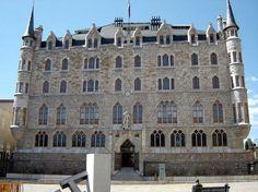 Casa Botines  Architect Gaudi