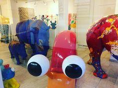 Грустно смотрит в куда-то вдаль...) #art #amsterdam #contemporaryart