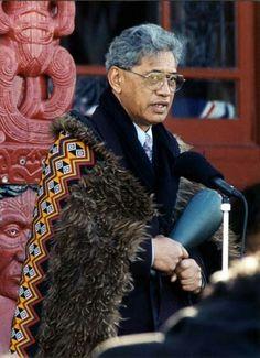 Te Upoko Ariki Tā Tumu Te Heuheu Pahikaure Maori Art, Capes, Culture, Bear, Couple Photos, Cape Clothing, Couple Shots, Mantles, Cape