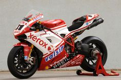 Apart from the 996R, the best Ducati race paint job.