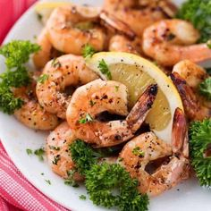 Grilled Honey Lemon Shrimp Recipe Sweet and tangy shrimp that is easy to make and perfect addition to your summer grilling! Grilled Shrimp Recipes, Shrimp Recipes Easy, Spicy Recipes, Yummy Recipes, Chicken Recipes, Healthy Recipes, Veggie Frittata, Frittata Recipes, Protein Energy Bites