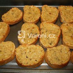 Pečený celer se sýrem a šlehačkou recept - Vareni.cz Muffin, Paleo, Toast, Low Carb, Yummy Food, Breakfast, Recipes, Morning Coffee, Delicious Food