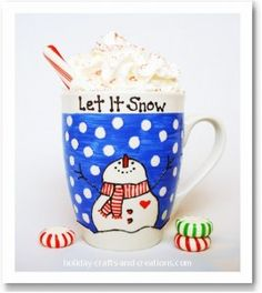 Snow Cocoa « Happy Home Fairy Easy Homemade Gifts, Diy Gifts, Pottery Painting, Ceramic Painting, Painted Pottery, Diy Christmas Mugs, Christmas Glasses, Christmas Print, Diy Becher