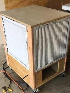Shop Air Cleaner Cart / Tool Stand - I need to build one! Woodworking Tools For Beginners, Woodworking Garage, Woodworking Projects That Sell, Tool Shed Organizing, Workshop Organization, Wood Jig, Lumber Storage, Wood Shop Projects, Diy Shops