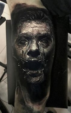 Made by Eliot Kohek Tattoo Artists in Annecy, France Region Tattoo Bein, Demon Tattoo, Dark Tattoo, Best Sleeve Tattoos, Cover Up Tattoos, Arte Horror, Horror Art, Great Tattoos, Tattoos For Guys