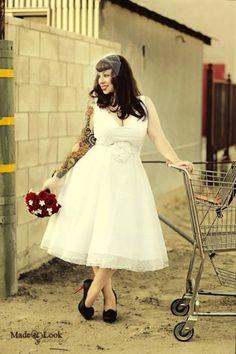Love this retro/rockabilly wedding dress
