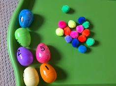 Egg Counting Activity With Pom-Poms (note to self: draw black dots on bottom portion of egg and have kids match numeral to correct number of dots)
