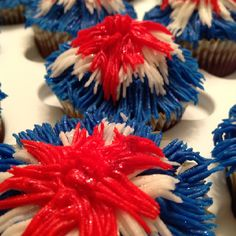 Red, white & blue! Happy 4th of July. Facebook.com/VentidesignCake