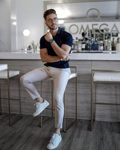 64 Summer Fashion Looks for Short Men Polo Shirt Outfits, Polo Outfit, Polo Shirt Style, Summer Outfits Men, Stylish Mens Outfits, Business Casual Men, Men Casual, Casual Styles, Casual Chic