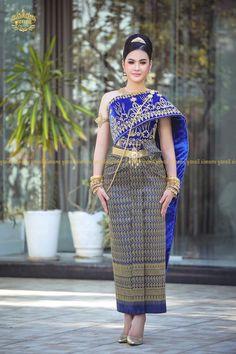 Stunningly Beautiful, Cambodia, Peplum Dress, Wedding Dresses, Lady, Fashion, Bride Dresses, Moda, Bridal Gowns