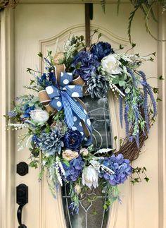 66 beautiful welcome wreath with farmhouse decor charm 11 Spring Front Door Wreaths, Holiday Wreaths, Spring Wreaths, Holiday Gifts, Diy Wreath, Grapevine Wreath, Wreath Ideas, Greenery Wreath, Floral Wreaths