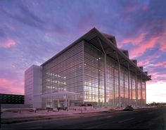 United States Courthouse in Pheonix, Arizona; designed by Richard Meier & Partners Architects