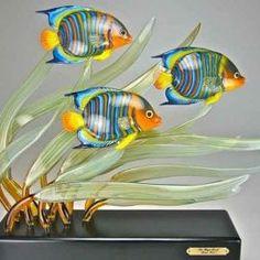Art Of Glass, Blown Glass Art, Glass Artwork, Glass Wall Art, Fish Sculpture, Sculptures, Shattered Glass, Glass Figurines, Glass Animals