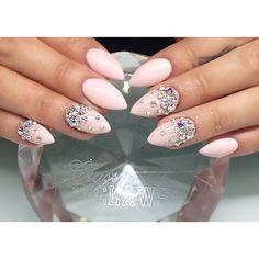 classyclaws ~ pink nails with the bling! Nail Manicure, Gel Nails, Acrylic Nails, Nail Polish Designs, Nail Art Designs, Claw Nails, Elegant Nails, Pink Bling, Nail Studio