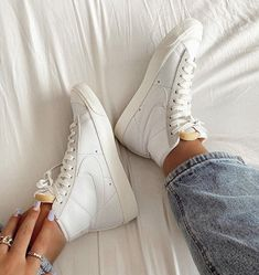 Aesthetic Shoes, Hype Shoes, Dream Shoes, Mode Outfits, Sock Shoes, Shoe Game, Sneakers Fashion, Me Too Shoes, Footwear