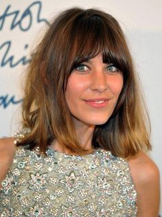 Photo of Alexa Chung - British Fashion Awards 2011 - Press Room - Picture Browse more than pictures of celebrity and movie on AceShowbiz. Haircuts For Thin Fine Hair, Long Face Hairstyles, Haircuts With Bangs, Hairstyles With Bangs, Hair Styles 2016, Medium Hair Styles, Short Hair Styles, Alexa Chung Hair, Super Hair